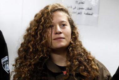 Ahed Tamimi, la joven palestina de 16 años que hizo conocida en el mundo entero al dar una cachetada a un soldado israelí en la ocupada Cisjordania.
