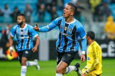 Lucas Barrios es nuevo refuerzo de Argentinos. El delantero de 33 años regresa al Bicho luego de 14 años.