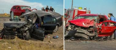 El Chevrolet Astra muestra el brutal impacto que tuvo en la ruta 25 frente al circuito del Safari de Rawson. El VW Golf  quedó en una de las banquinas tras la colisión de ayer.
