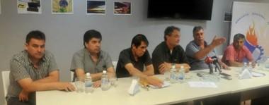 Conferencia. Luz y Fuerza recordó que hay sueldos atrasados desde octubre para 244 trabajadores de las 21 cooperativas del interior. Y dijo que se viola el convenio colectivo.