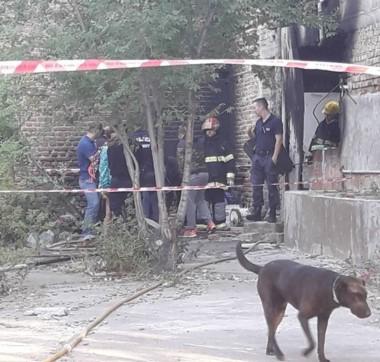 Bomberos y policía trabajó en el lugar del hallazgo (Foto: Tu Lugar FM 92.1 Playa Unión)