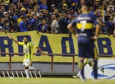 Tevez volvió a Boca. Jugó 70 minutos y mostró pinceladas de su talento.