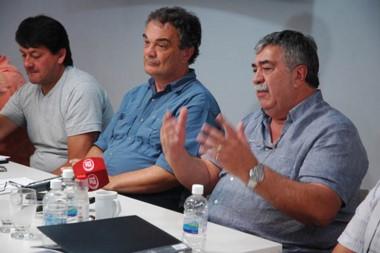El Sindicato arremetió contra el Gobierno y dijo que hace tres meses que no se pagan los sueldos.