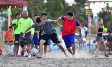 El fútbol playero es uno de los principales atractivos de cada verano. La playa de Puerto Madryn será escenario de varios torneos.