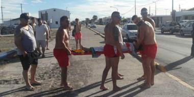 El cuerpo activo de Guardavidas municipales de Playa Unión efectuó el primer rescate de la temporada.