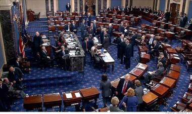 Hay cierre de gobierno en EEUU tras fracasar las negociaciones en el Senado.