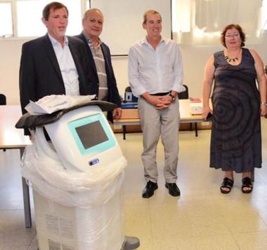 El equipamiento donado por PAE al Hospital Regional de Comodoro fue recibido por el ministro de Salud.