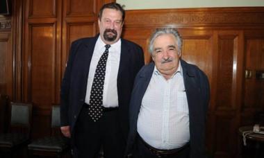 "Cristian Bork junto al expresidente de Uruguay, José ""Pepe"" Mujica."