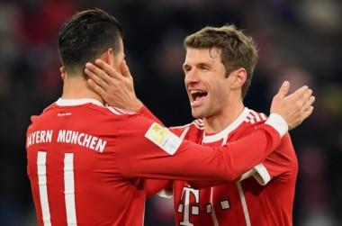 Dos asistencias de James Rodríguez y dobletes de Müller y Lewandowski para que el Bayern Munich derrote 4-2 al Werder Bremen.