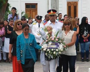 Instancias de la ceremonia que se realizó ayer en Puerto Madryn.
