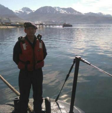 La última foto. El cabo Tolaba a su llegada al puerto de Ushuaia.