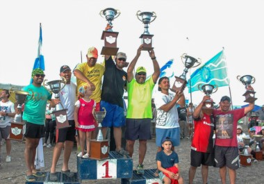Playa Unión tiene dueños. La dupla conformada por Oficialdegui-Arabia conquistó la edición N° 53 de las 24 horas de pesca de Playa Unión.