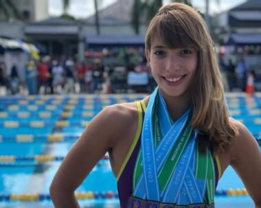 Destacada labor cumplió la rawsense en Miami con nuevo récord argentino y 5 medallas de oro.