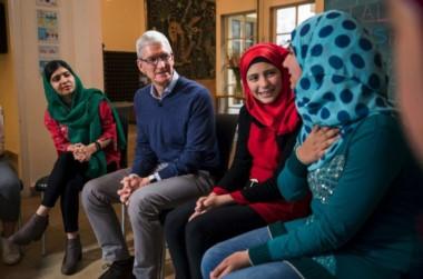 Apple y Malala unen fuerzas para apoyar la educación de las niñas.