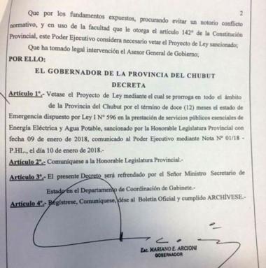 El facsímil con el veto del gobernador a la emergencia de los servicios.