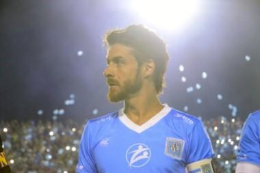 La noche en la que Pablo Aimar, el ídolo del mismísimo Messi, volvió al fútbol para retirarse en Estudiantes de Río Cuarto, el club que lo vio nacer.
