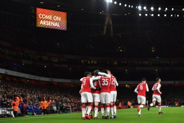 Arsenal se quedó con el duelo londinense y es finalista.