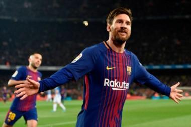 ¿Cuándo no? Messi volvió a convertir para Barcelona que eliminó a Espanyol en el clásico catalán.