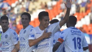 Con gol de Matos en contra tras un centro de Pol Fernández, Godoy Cruz sigue haciendo una fortaleza del Malvinas Argentinas. (Foto: Los Andes).