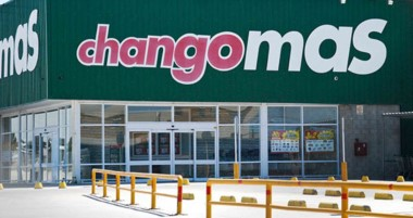 Durante la mañana de ayer los portones del supermercado Changomas permanecieron cerrados.