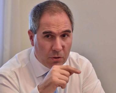 """El ministro de Economía habló ahora de la posibilidad de """"refinanciar"""" los pasivos que tiene la provincia."""