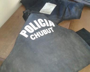Había sido robado. Un chaleco de Policía apareció anoche en un procedimiento ocurrido en Trelew.