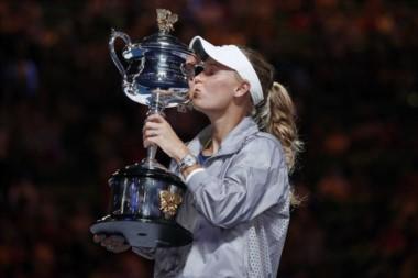 Caroline Wozniacki, la campeona de Australia que hizo un culto de la perseverancia y además volvió al N°1 del mundo.