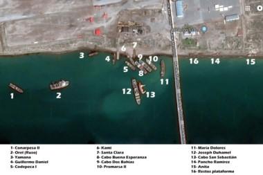 Distribución. Una guía aérea de la ubicación de los buques varados que quieren desguazar en Madryn.