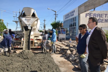 El intendente Maderna recorrió distintas obras y destacó la inversión que hace el Municipio.