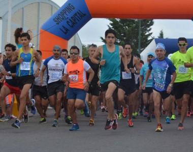 """Los atletas se preparan para competir el próximo fin de semana en la tradicional corrida de """"Don León""""."""