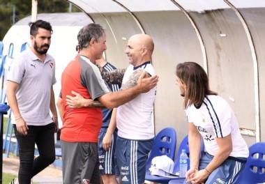 Siguen las observaciones a jugadores del fútbol local: Jorge Sampaoli presenció el entrenamiento del Rojo de Holan.  ¿Bustos, Sánchez Miño y Meza en carpeta?