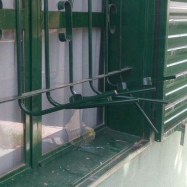 Los delincuentes fuerzan cerraduras para ingresar a las viviendas.