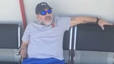 """Maradona: """"Tevez llenó la bolsa de Papá Noel de dólares y ahora vuelve a Boca""""."""