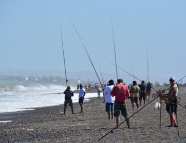 Los concursos de pesca llegaron al verano 2018 en Playa Unión.