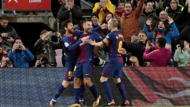 Con tantos de Messi, Suarez y Paulinho, Barcelona venció 3-0 al Levante en el Camp Nou.