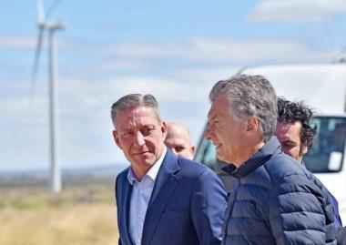 El presidente Macri junto al gobernador Arcioni en enero pasado, cuando visitó el Parque Eólico de Rawson.
