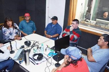 Coincidencias. Los vecinalistas pasaron por FM Tiempo para contar las realidades de sus barrios en Esquel.