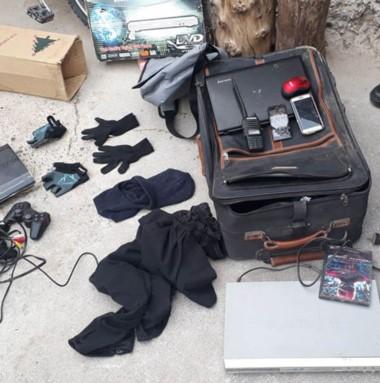 En el allanamiento, se secuestraron pasamontañas y equipos de VHF.