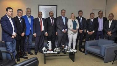 Liga de gobernadores. Arcioni participó de un encuentro ampliado de mandatarios provinciales, esta vez en la Casa de Tucumán en Buenos Aires.