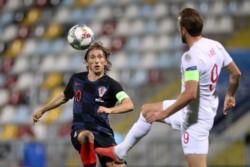Croacia e Inglaterra empataron e hicieron sonreir a España.