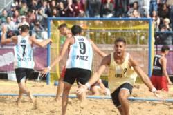 Medalla de bronce para el beach handball masculino después de vencer a Croacia. Las dos selecciones argentinas se suben al podio en esta disciplina que es furor en Buenos Aires 2018.