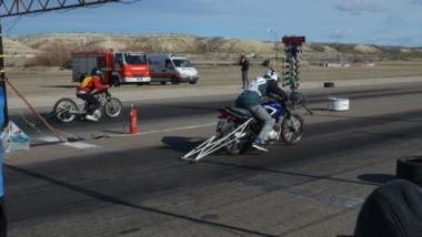 Motos y autos vuelven a la recta del autódromo Mar y Valle este sábado, por la cuarta fecha del Campeonato.