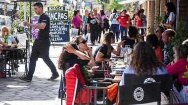 La ciudad vivió un fin de semana colmado de visitantes que estuvieron desde finales de la pasada semana .