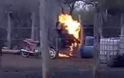 El hombre que iba a ser desalojado, no dudó en rociarse con nafta y prenderse fuego.
