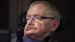 Dios no existe, los extraterrestres sí existen y viajar en el tiempo podría ser posible, dice Stephen Hawking en su libro póstumo.