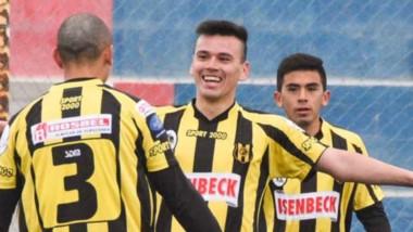 Deportivo Madryn goleó por 4-2 a Alianza Fontana Oeste y capturó un cupo en los cuartos de final del torneo.