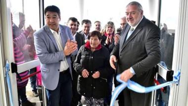 Pichiñán y el presidente del Banco encabezaron el corte de cintas de la nueva sede, en la que la ministro Saunders estuvo en representación del gobernador Arcioni.