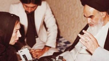 Antes de la pelea. Oriana Fallaci entrevistando al ayatola Jomeini. Después lo trató de tirano.