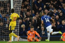 A los 87' y 89', Everton marcó los tantos de la victoria.
