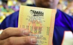 Récord: un solo boleto ganó US$ 1.600 millones en la lotería de Estados Unidos.